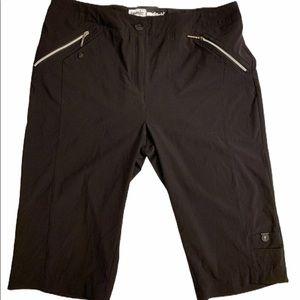 Jamie Sadock black knee Capri pants
